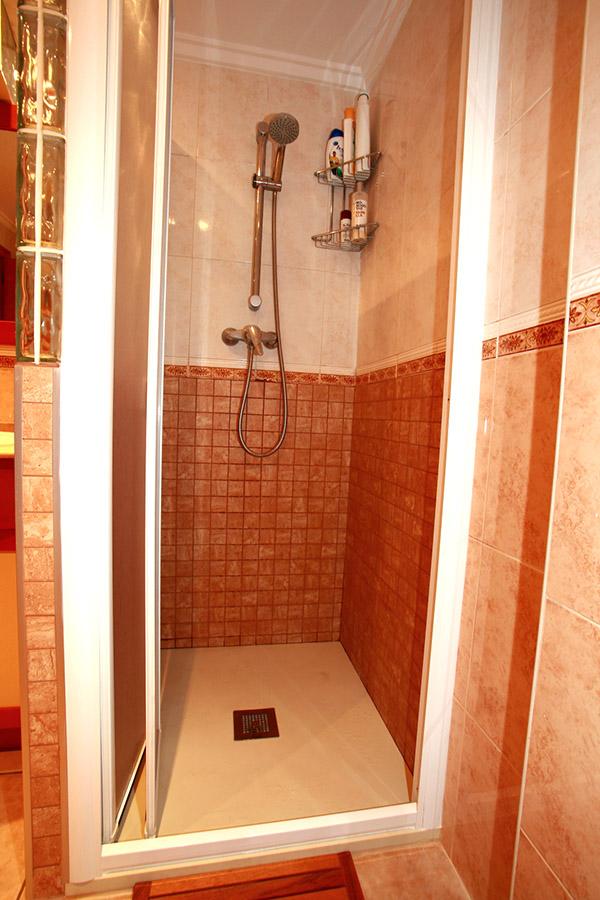 Cambio de plato de ducha en santa pola reformas novodeco - Banos con banera y plato de ducha ...