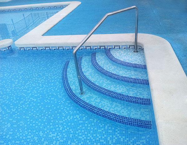 Dise os accesibilidad piscinas comunitarias casa dise o - Como se hace una piscina ...