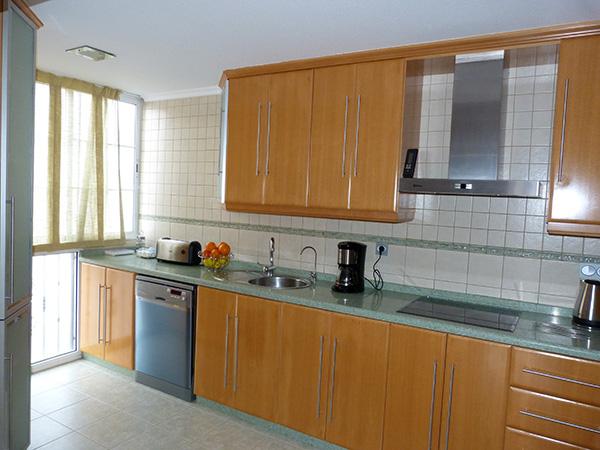 reforma-vivienda-suelo-cocina-santa-pola