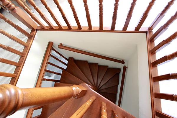 reforma-integral-santa-pola-escalera2