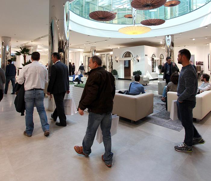 Porcelanosa xxii muestra internacional reformas for Oficina repsol butano