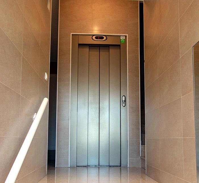 puerta-ascensor-comunidad-03