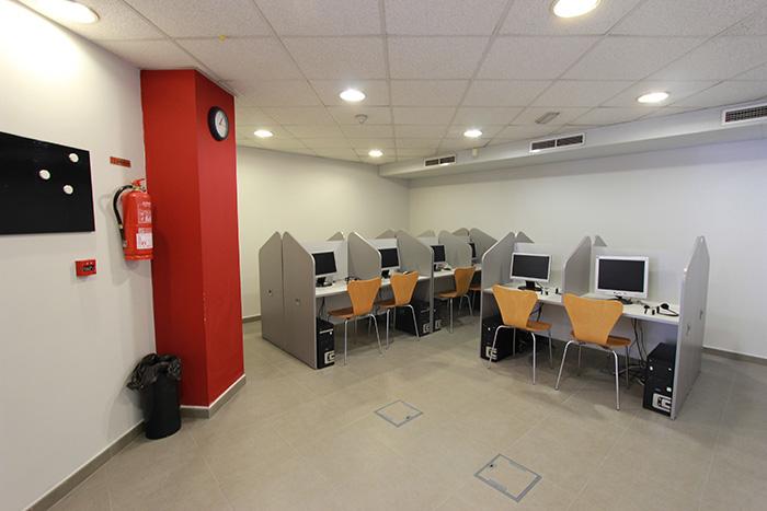 Reforma de academia english world center elche reformas for Oficina repsol butano