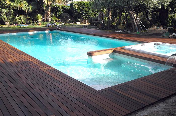 Colocaci n de tarima en piscina reformas novodeco for Ideas para piscinas plasticas