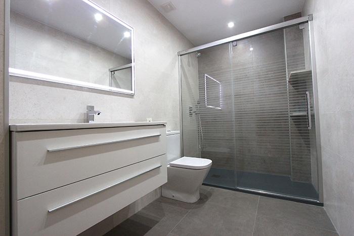 Baño Con Ducha Pequeno:Reforma Baño Plato De Ducha De Resina Extraplano Antideslizante