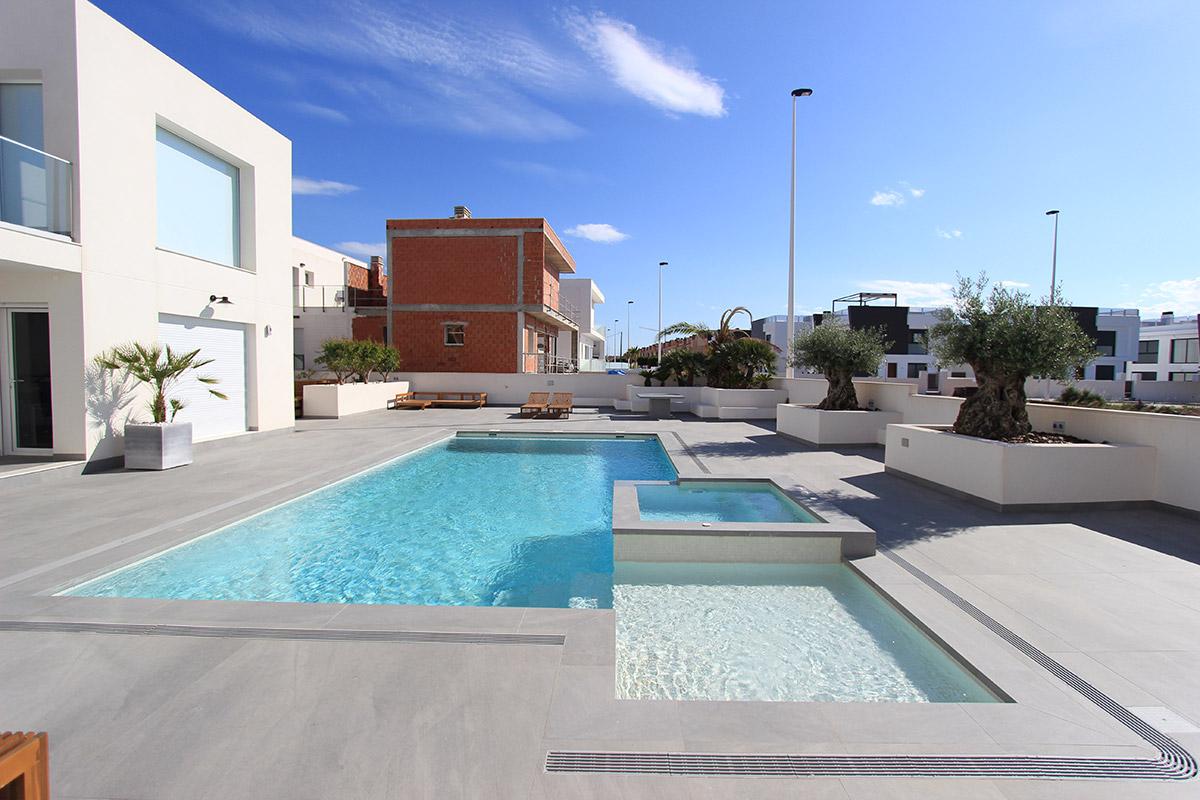 reforma-vivienda-piscina-gran-alacant-08